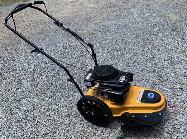 Photo Cub Cadet ST-100 walk-behind string trimmer - $250 (Newport, VA)