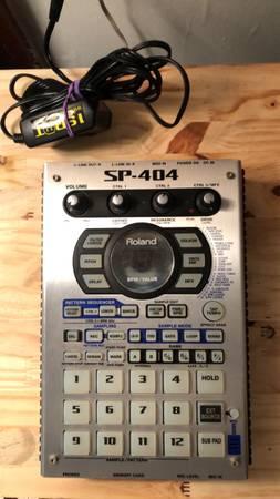 Photo Roland SP 404 slerdrum machine - $350 (Blacksburg)