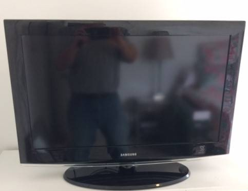 Photo Samsung 32inch Widescreen HDTV - $75 (Blacksburg)