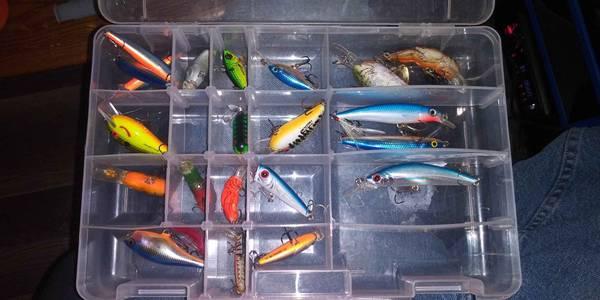 Photo Shimano fishing pole and lures