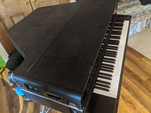 Photo Yamaha CP-70B Electric Baby Grand Piano - Wurlitzer works - $1,800 (Blacksburg)