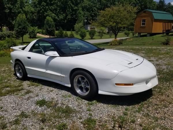 Photo 1995 Pontiac Trans Am - $5,500 (Patterson)