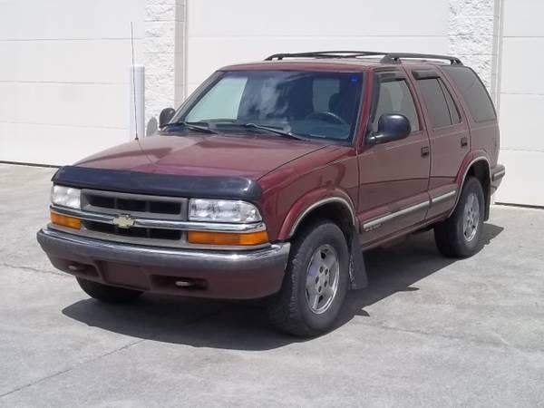 Photo 1998 Chevy S10 Blazer 4x4 - $3,800 (Boone)