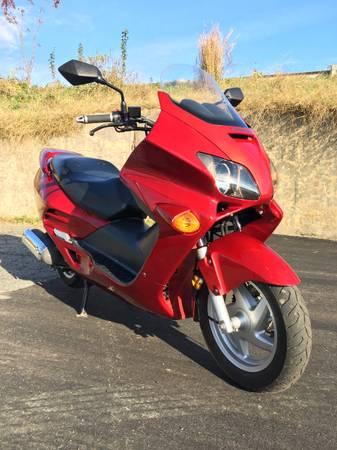 Photo 2002 Honda Reflex 250cc Scooter - $2,500 (Winston Salem)