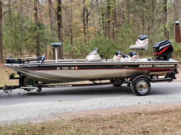 Photo 2003 bass tracker pro team 175 with 75hp mercury 2 stroke - $6,000 (Charlotte)