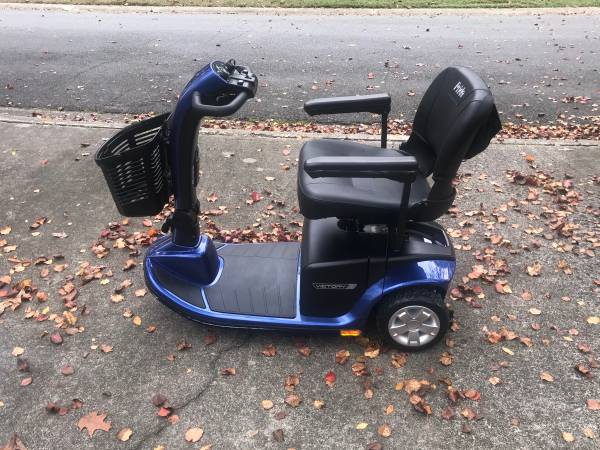 Photo 2018 Barely Used Pride Victory Mobility Scooter - $650 (Charlotte)