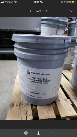 Photo 5 Gallon Bucket of Sherwin-Williams Unilin NA LLC 01934 Orange Brown - $25 (Mooresville)