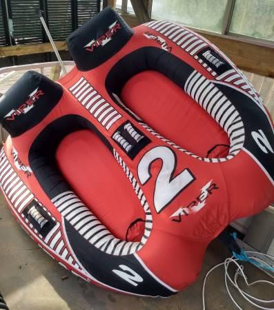 Photo AIRHEAD VIPER 2 - PULL BEHIND BOAT TUBE - $200 (Johnson City)