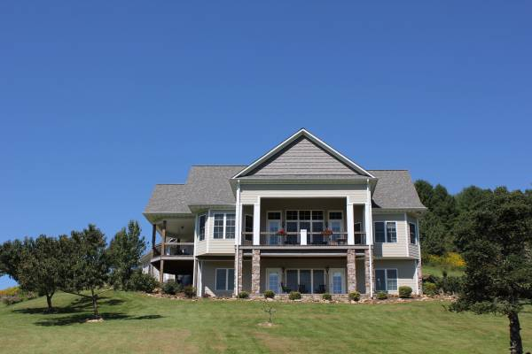 Photo Custom Built Immaculate Executive Home in Gated Community (Jefferson, Ashe County N.C. New River)
