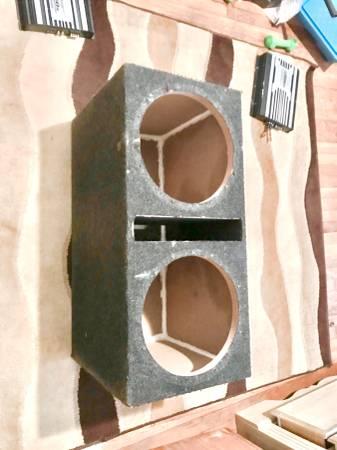 Photo Dual 12 inch Sub Subwoofer Box Enclosure - $60 (Charlotte)