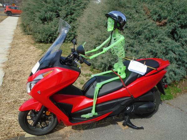 Photo Honda Forza NSS 300 Scooter - Bare Bones Price - $3,700 (Kingsport)