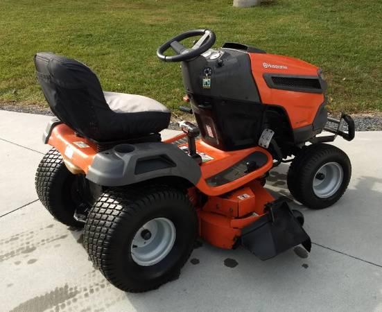 Photo Husqvarna Lawn Tractor - $1,350 (Sugar Grove)