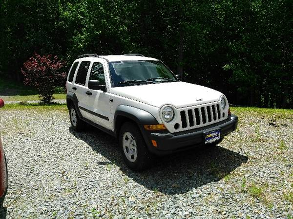 Photo Jeep Liberty - 2006 - Trail Rated 4X4 - $3800 (Banner Elk)
