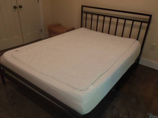 Photo Queen Mission Style Bed - $350 (Butler)