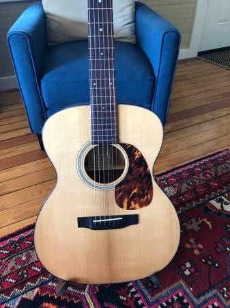 Photo Recording King RO-T16 Guitar - $425 (Boone)