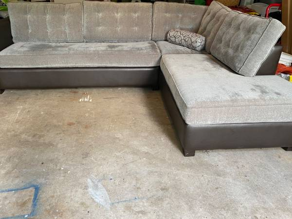 Photo Sectional with chaise and sofa bed and matching ottoman - $380 (Boone)