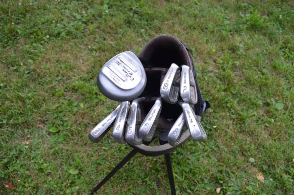 Photo Slazenger irons golf club set with gap wedge and fairway club - $40 (Candler)