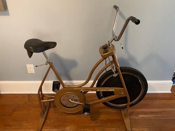 Photo Vintage Schwinn Exercise Bike - $100 (Lenoir, NC)