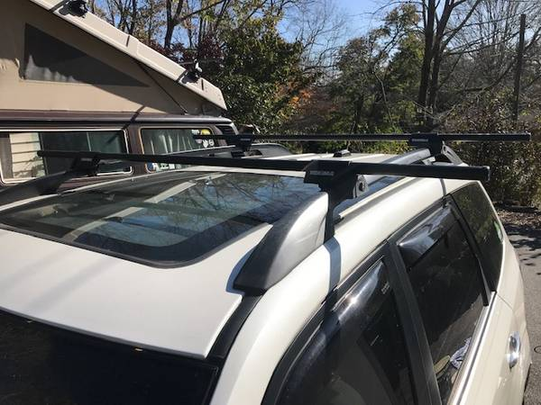 Photo Yakima roof rack for raised rails - $100 (Boone, NC)