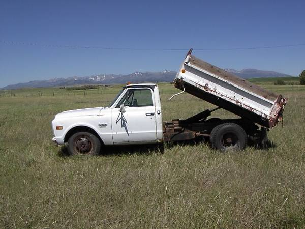 Photo 1970 Chevy dump truck - $3,500 (Clyde Park)