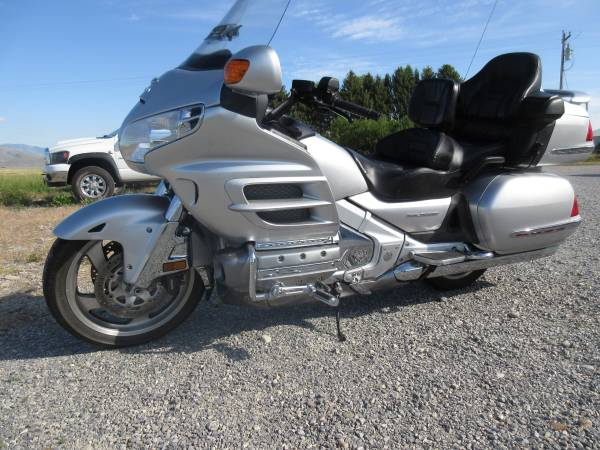 Photo 2005 SALE Honda Goldwing 1800 Anniversary Edition,low miles - $8,995 (Townsend)