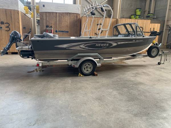 Photo 2017 Hewescraft low hours - $35,500 (Great Falls MT)