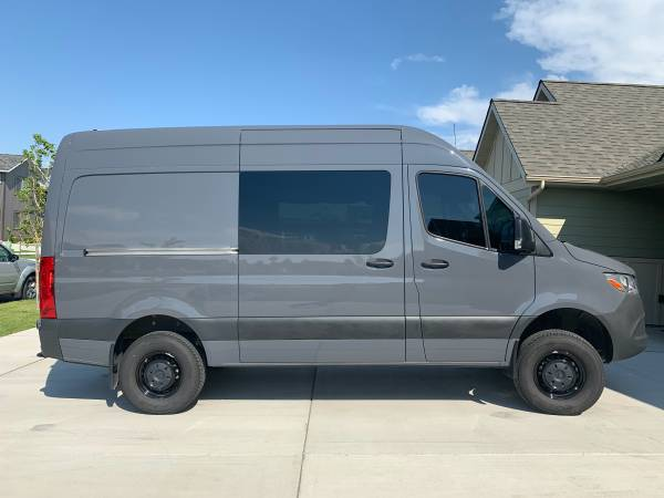 Photo 2019 Sprinter 4x4 cer van - $135,000 (Bozeman MT)