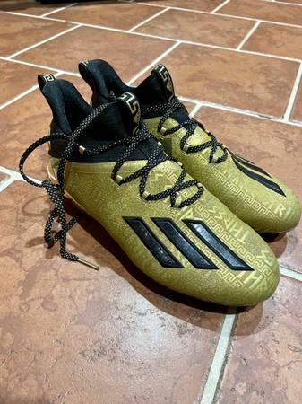 Photo Adidas football cleats - $80 (Belgrade)