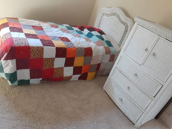 Photo Bedroom SET Wicker Child DresserBed - $175 (Butte)