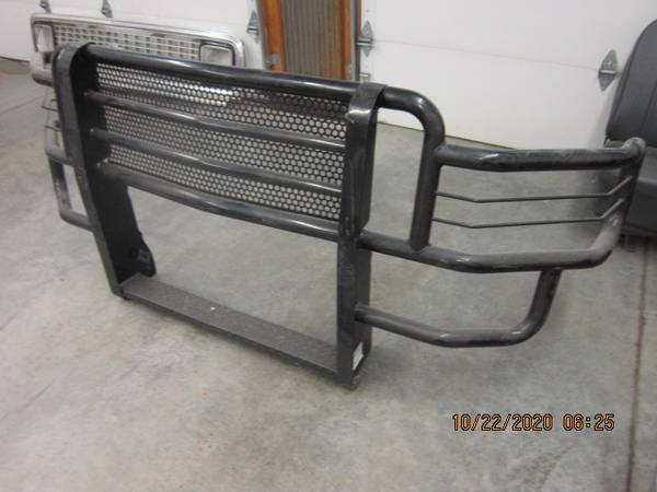 Photo GO INDUSTRIES RANCH HAND GRILLE GUARD - $250 (BELGRADE)