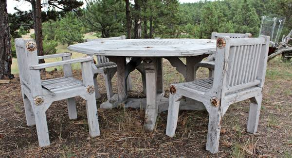 Photo Hand-Crafted Wooden Outdoor Furniture Set