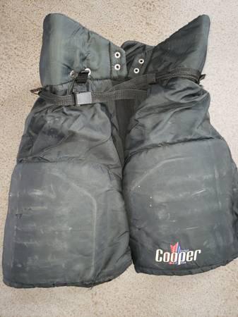 Photo Hockey pants and shoulder pads - $15 (bozeman)