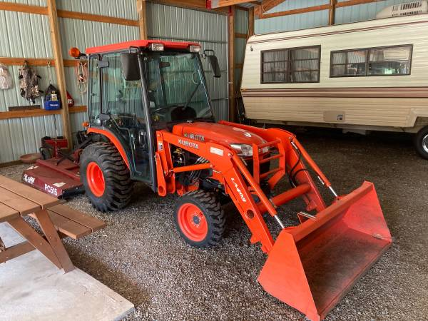 Photo Kubota Tractor and attatchments - $28000