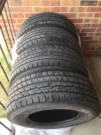 Photo Nitto CrossTek 2 All Season Tires 26570R17 1532 tread - $350 (Bozeman)