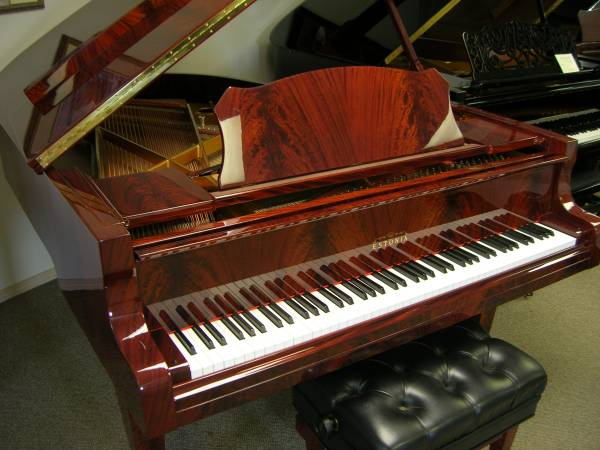 Photo PIANOS in MT - New, used, rentals, great selection (Belgrade)