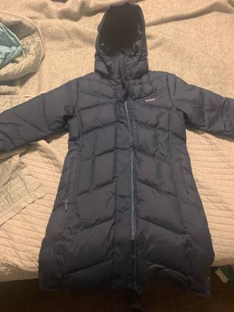 Photo Patagonia Womens Down With It Parka - Medium - Navy Blue - $175 (Bozeman)