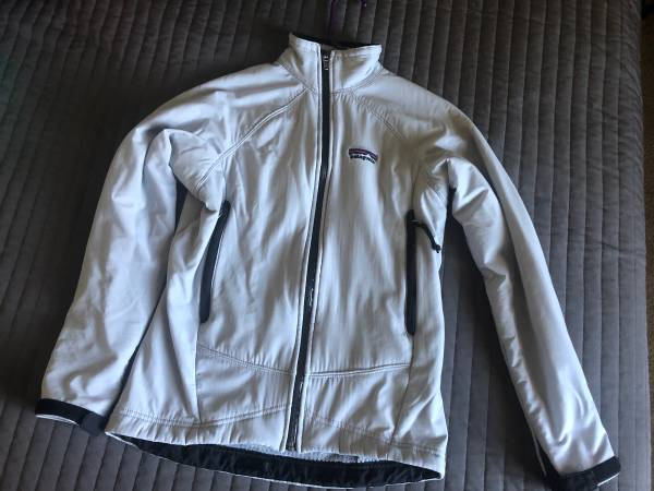 Photo Patagonia womens jacket - $65 (Bozeman)