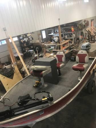 Photo Sea nymph fishing boat w 50hp Evinrude - $4,750 (Bozemab)