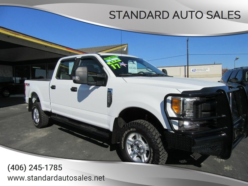Photo Used 2017 Ford F250 4x4 Crew Cab XL for sale
