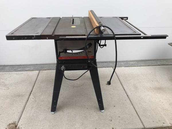 Photo Vintage Craftsman 10 Table Saw - $200 (Belgrade Gardens)