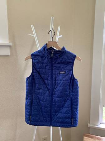 Photo Women39s Patagonia Nano Puff Vest - $25 (Bozeman)
