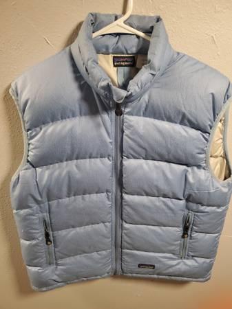 Photo Women39s Patagonia down vest - $25 (LIVINGSTON)
