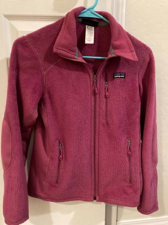 Photo Womens Patagonia Fleece - $25 (Bozeman)