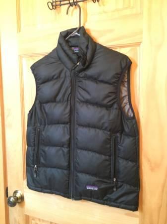 Photo Womens Patagonia Vest, size small - $35 (Livingston)