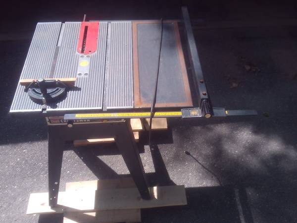 Photo 10quot Craftsman Table Saw and Accessories - $150 (Hackensack)