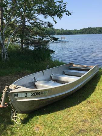 Photo 1439 Alumacraft fishing boat and motor for sale - $850 (near Pelican LakeCrow Wing Co.)