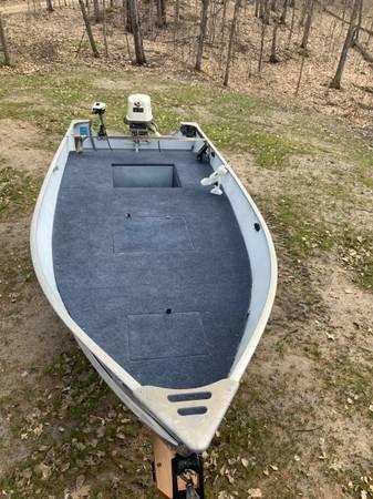 Photo 14 foot Lund Boat - $2,500 (Garrison)