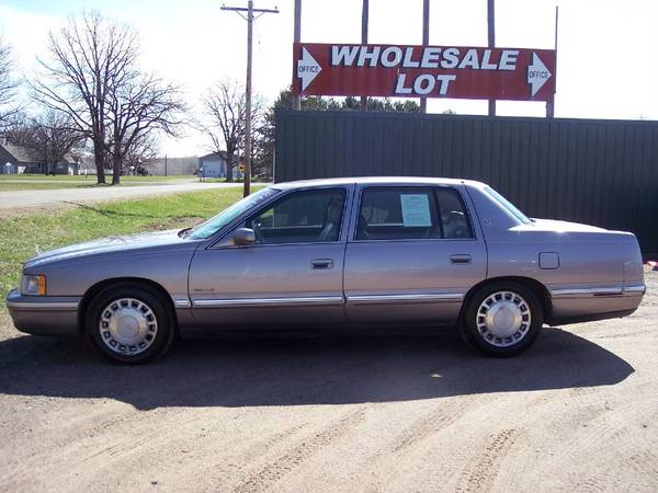 Photo 1998 CADILLAC DEVILLE WITH 156,027 MILES VERY VERY NICE CAR - $1700 (little falls)