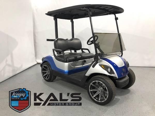Photo 2015 Yamaha Gas Golf Cart Street Legal -Moonstone SilverBlue - $6350 (Wadena)