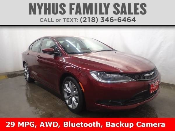 Photo 2016 Chrysler 200 S - $20,000 (Delivery Available)